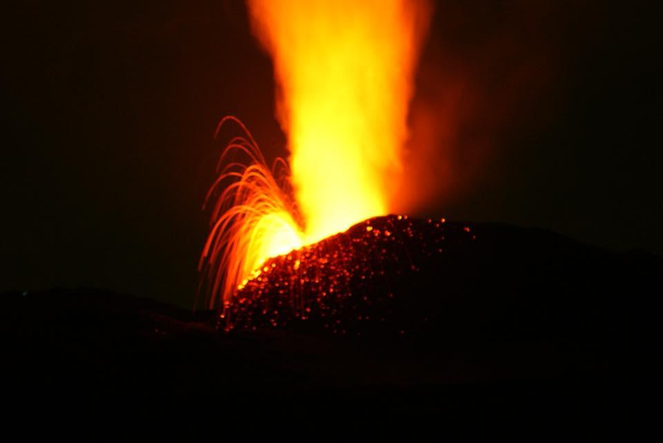 Le Piton de la Fournaise en éruption